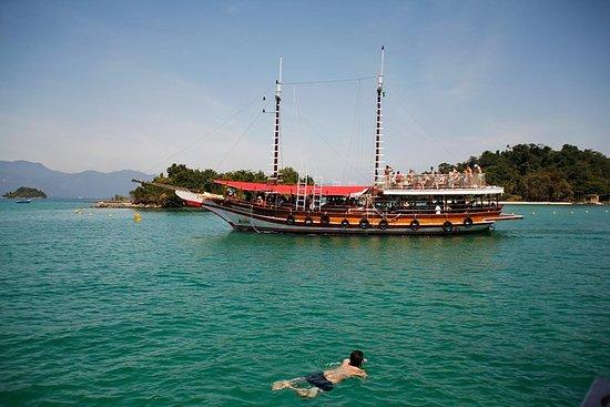 Excursión de un día en velero a Angra...
