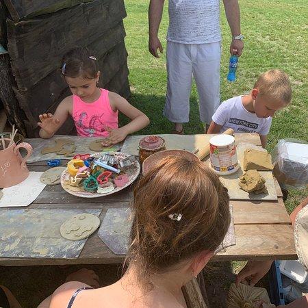 Gardony, Ungarn: Várak kisméretű másai