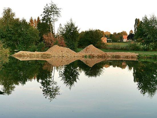 Photo prise aux étangs de Dagny-Lambercy dans l'Aisne. Lieu incontournable pour les passionnés de pêche, de nature et à la recherche de calme