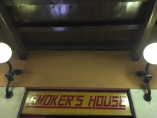 Smoker's House