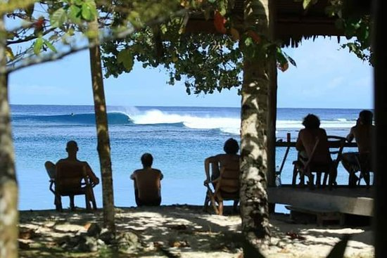 Lances right Villas front beach View-Katiet mentawai
