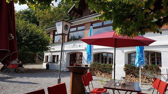 Possenhofen, Tyskland: Blick in Richtung Gasthaus