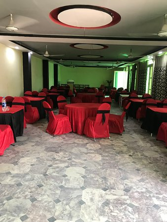 Aamir hotel is locates in hearts of bannu city
