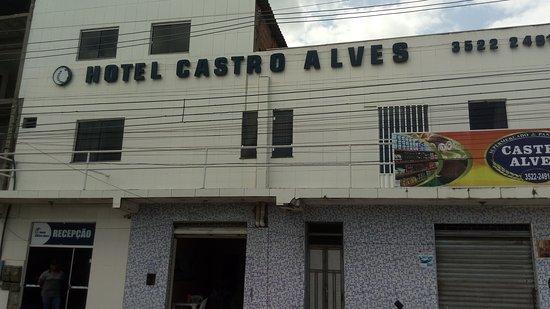 Castro Alves, BA: Recomendo para viagem rápida. Sozinho ou em casal. Tel: (75) 3522-2491