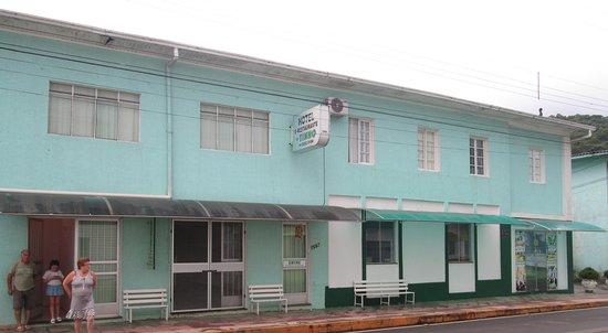 Lacerdopolis: Hotel e Restaurante do Tinho no centro de Lacerdópolis SC