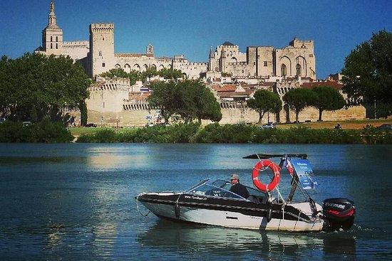 Balades en bateau sur le Rhône Tom Boat