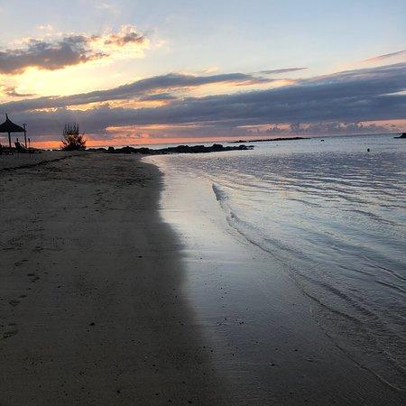 Beach - Canonnier Beachcomber Golf Resort & Spa Photo