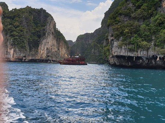 Phi Phi - Half day Speedboat