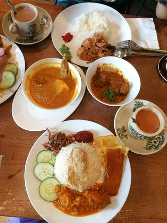 Laidback cafe with delicious Peranakan brunch