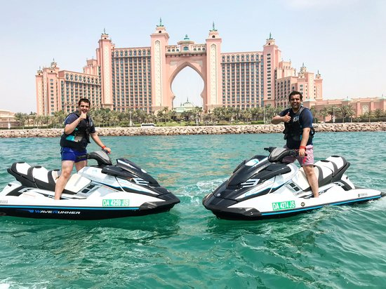‪Ride in Dubai Watersports‬