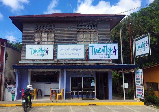 Lazi, Filippinene: Twenty4 Cafe and Burger Bar