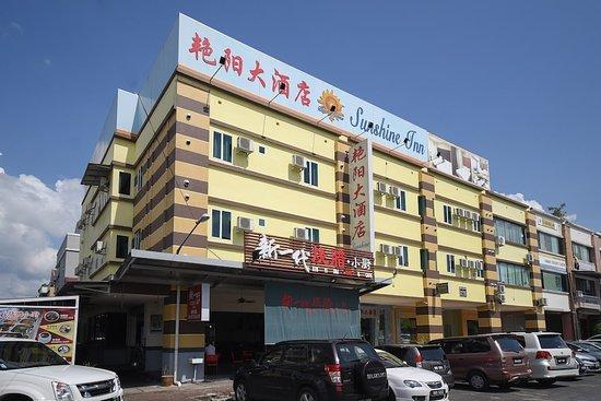 OYO 43990 Sunshine Inn
