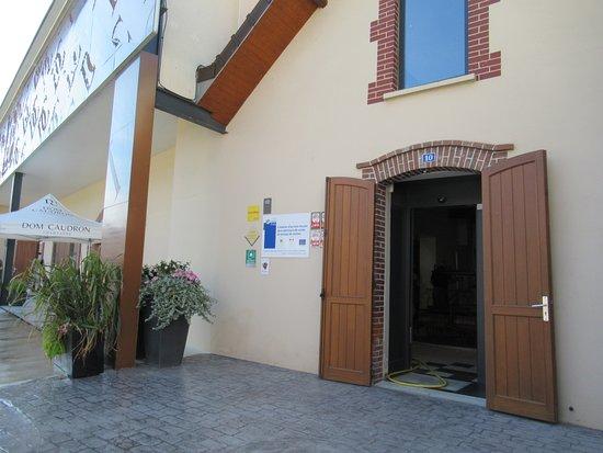 Passy-Grigny, Franciaország: Entrance