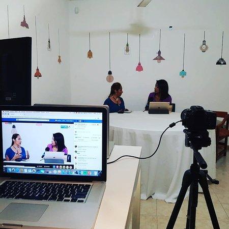 Aura Azul The Relaxation Center: Nuestra Gerente en entrevista con Integra Noticias con el tema, la importancia  de los masajes en nuestra salud.