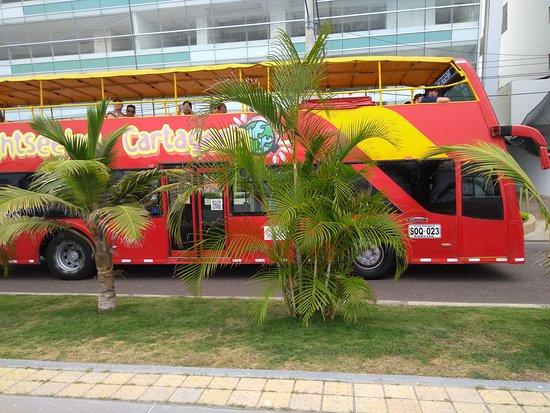 City Tour Hop On Hop Off Cartagena - Bus Turistico de 2 pisos: Nosotros le pusimos el Frutibus, por el nombre de un lugar de Chile que se llama Frutillar, y tenía buses de paseo que se llamaban así nos recordo mrucho cuando viajamos al Sur de Chile.