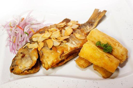 Chita al Ajo crocante <<Los mejores platos criollos y marinos solo en La Revancha Restaurante>>