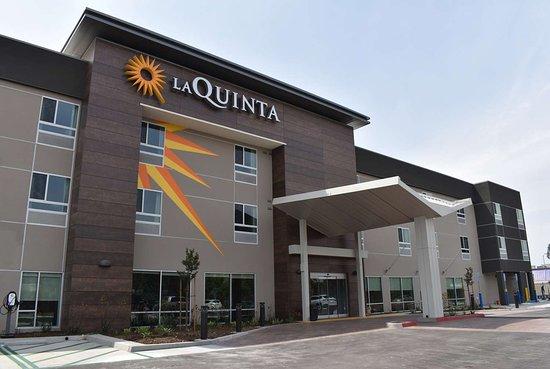 La Quinta Inn & Suites by Wyndham San Bernardino