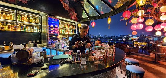 Rooftop Bar with views to Hoan Kiem Lake