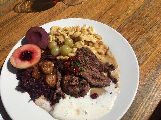 Bergrestaurant Schwendi-Kaltbad: Rehschnitzel mit Beilagen