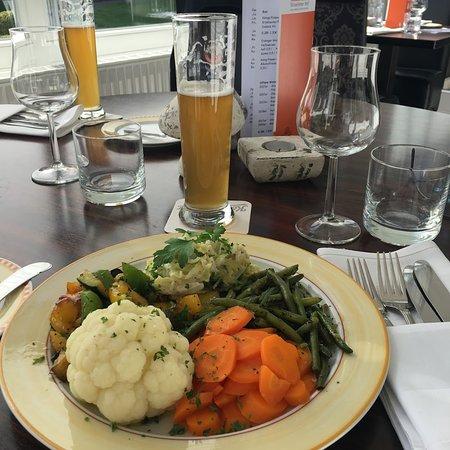 Straelen, Tyskland: De Vega Gemüseplatte.