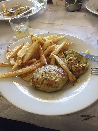 Glyka Nera, Griekenland: Προτεινομενο πιατο top στη γευση!!
