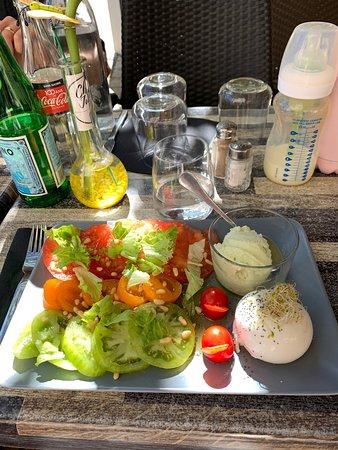 Heerlijke salade en zalmtartaar
