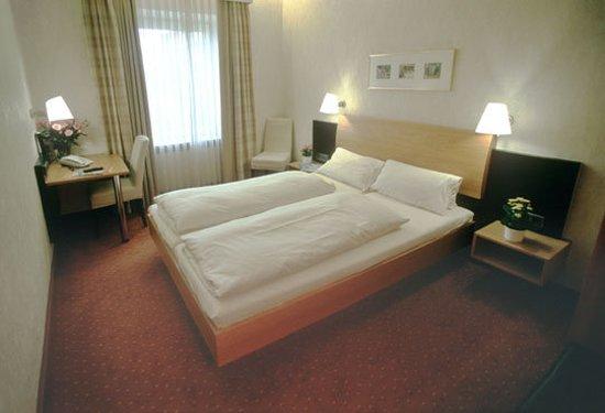 Jedermann Hotel, Hotels in München