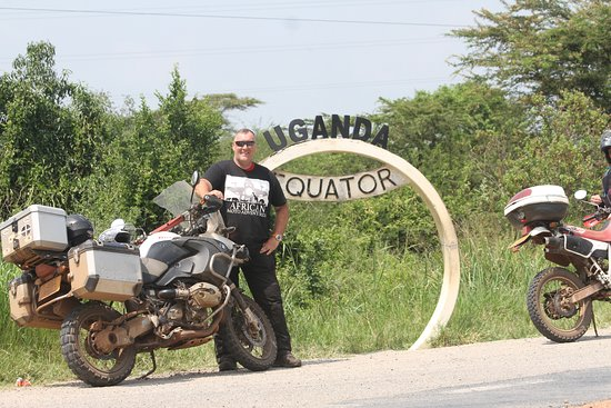 Kayabwe, Oeganda: We crossed the Equator line