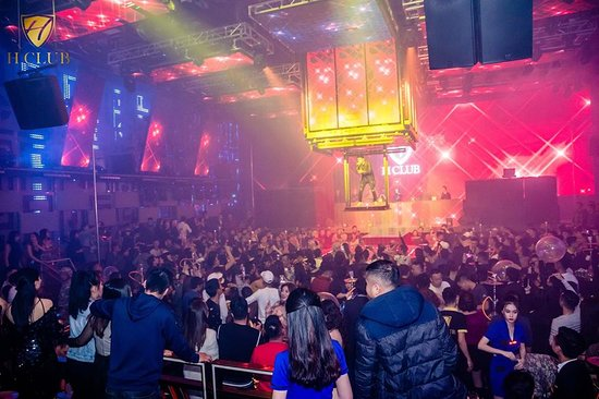 H Club:  𝙏𝙃𝙀 𝘽𝙀𝙎𝙏 𝙉𝙄𝙂𝙃𝙏𝙇𝙄𝙁𝙀 𝙄𝙉 𝙃𝘼 𝙇𝙊𝙉𝙂 𝘽𝘼𝙔 🇻🇳  ℹ Address: Area 4, Bai Chay street, Ha Long ℹ Hotline: 0986.121.866 ℹ Facebook: www.fb.com/hclubhalong
