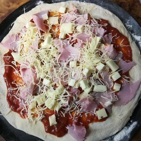 Fessenheim, Frankrijk: Pizza  Jambon fromage