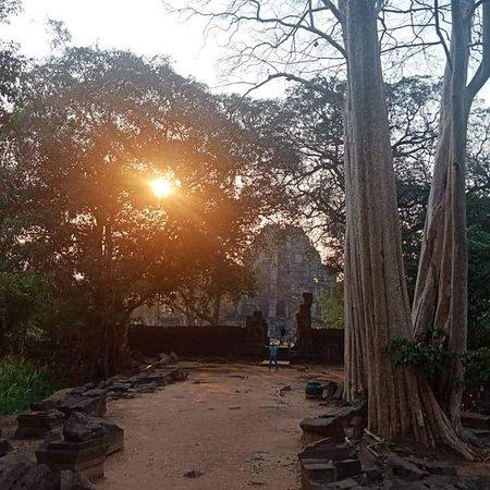 Preah Vihear Province, Cambodia: The sunset at koh ker temple
