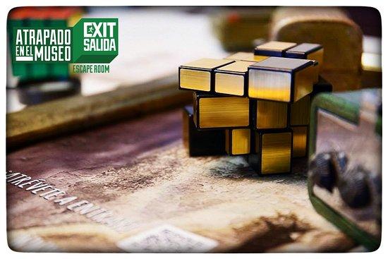 Exit/Salida Atrapado en el Museo