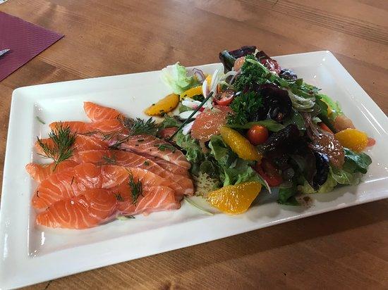 Salade fraîcheur, agrumes et saumon Gravlax