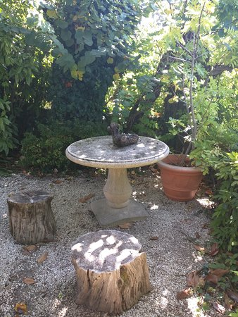 de pierrejardin Picture table devant de of Saint Petite nm8N0wv