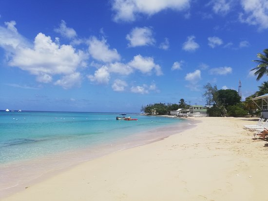 Gibbes, Barbados: Mullins Beach a short stroll to sea, sand, sunshine, loungers, bars and restaurants...