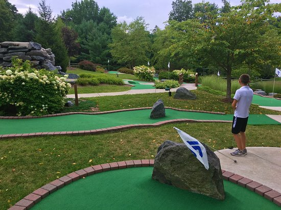Fairview Lake Mini Golf