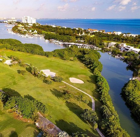 Caribe: Golf!!! I still don't get it sometimes. But the moment i foot touch the grass, everything starts making sense again. Do you prefer walking? or Carts?