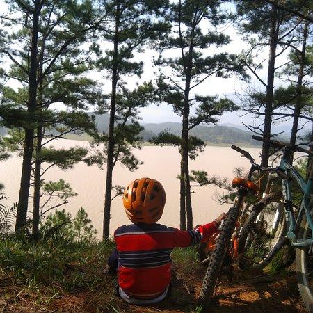 Lac Duong, Vietnam: Đankia biking