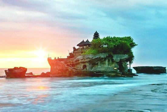 バリ寺院、骨&品、カクテルで美しい夕日をお楽しみください