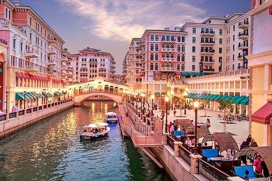 Mattur med båt i Pearl Qatar - En...