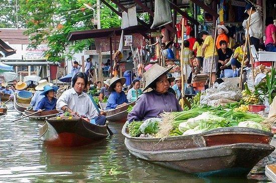 Mercado flotante Damnoen Saduak con...