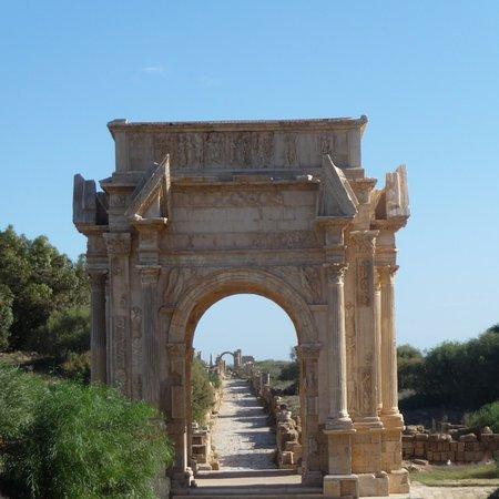 Аль-Кумс, Ливия: Arc de Triomphe. Roman Emperor Septimius Severus... lebda libya