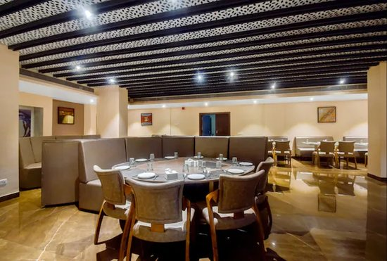 Ambajogai, India: Restaurant View