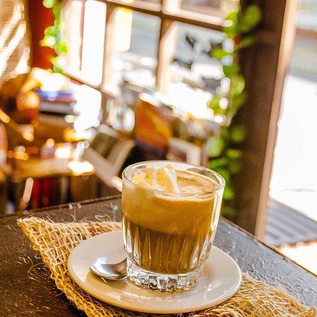 Afogatto Café .- Cafe tostado y molido en nuestra propia casa, combinado con una bolita de helado casero y un toque especial de la casa ...