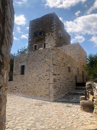 Vathia, Grecia: Χαρακτηριστικά μανιάτικα πυργόσπιτα άριστα συντηρημένα αξίζει η επίσκεψη !