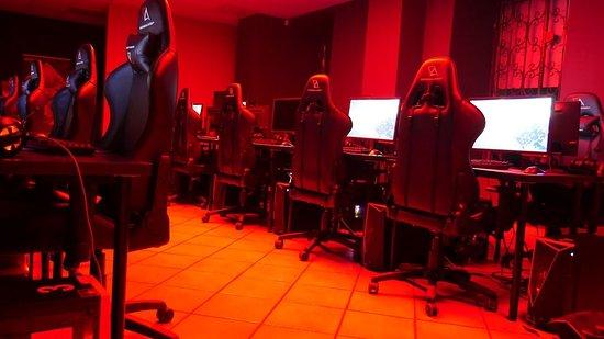 ESCA Gaming Cafe - ESPORTS CYBER ARENA