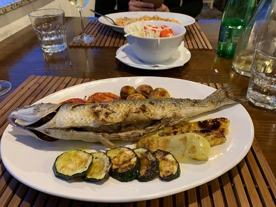 Silba, Kroatië: Fish of the day with grilled vegetables