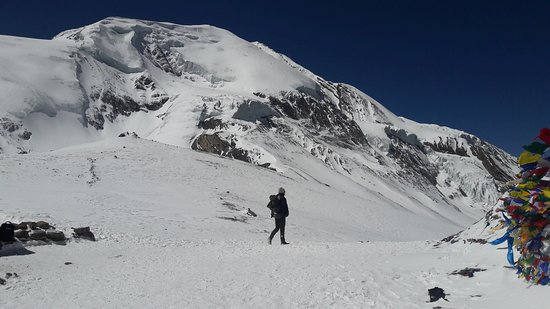 Challenging Tilicho Lake (4920 M) with Throng La Pass (5416 M)Trekking: way down to muktinath from throngla pass