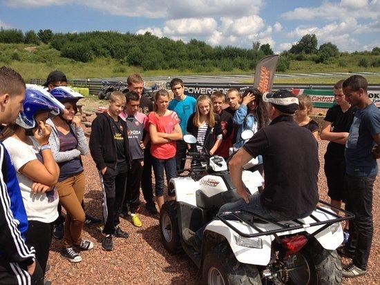 Noeux-les-Mines, Frankrijk: Animation jeunes en quad sur le circuit de noeux les mines