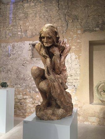 Parcay-les-Pins, Francia: statue